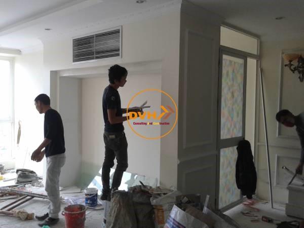 Thợ sơn sửa lại căn hộ chung cư đẹp