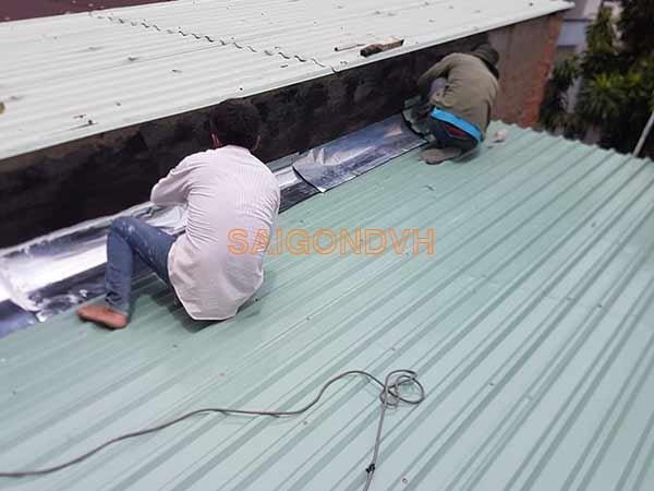 Thợ chống dột mái tôn, thợ làm mái tôn tại tphcm