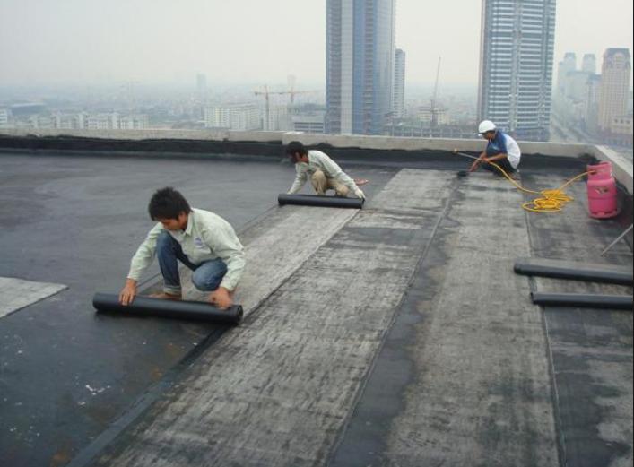 Thợ chống thấm tại Long Thành