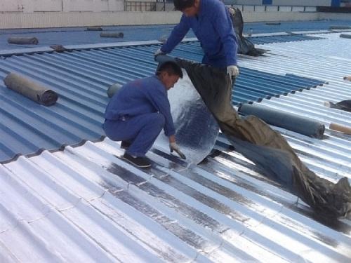 Thi công sửa chữa chống nóng mái tôn tại quận 7