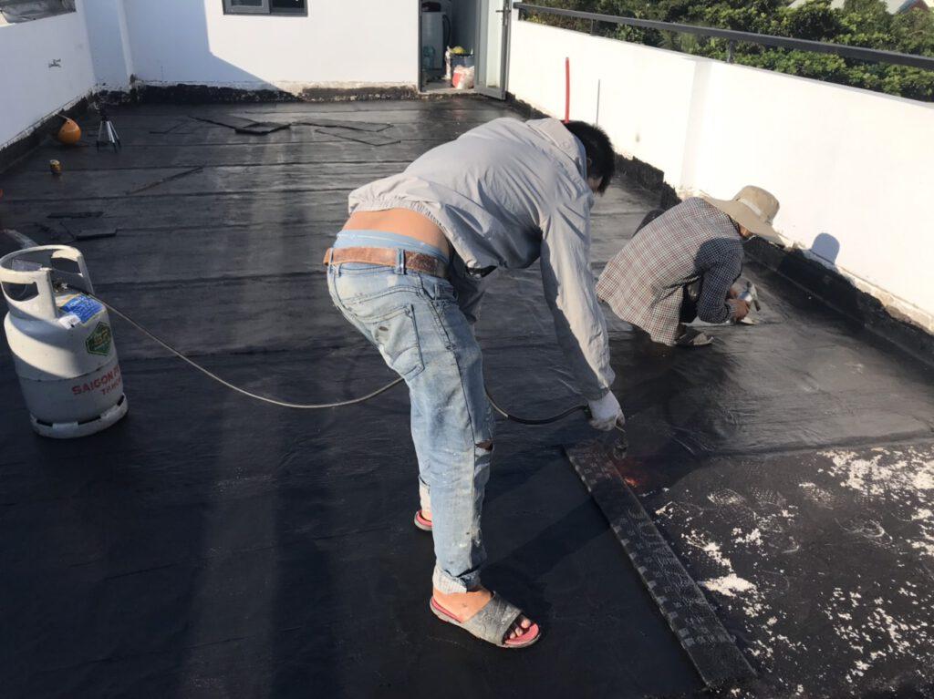 Thợ chống thấm sân thượng tại quận 5