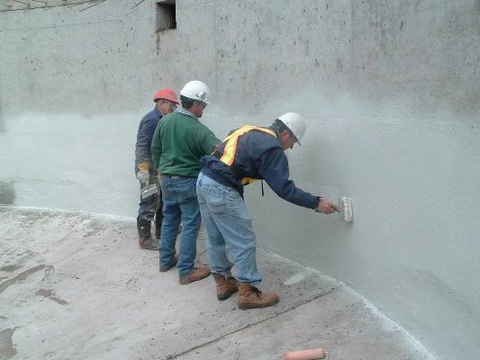 Thợ chống thấm tường