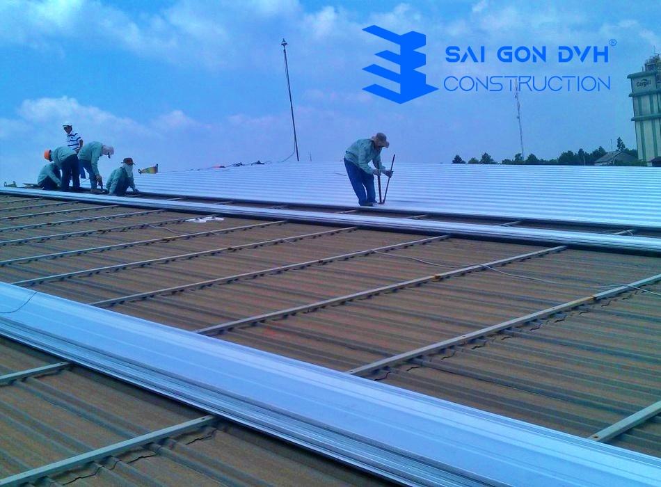 Chúng tôi nhận sửa mái tôn, thay mái tôn cũ, báo giá sửa chữa mái ton nhanh nhất