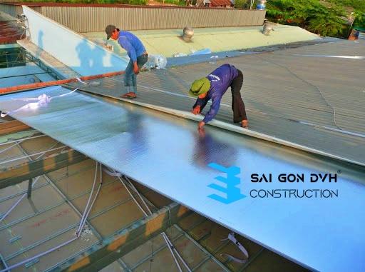 Đội ngũ nhân viên chăm chỉ, nhiệt tình, có nhiều năm kinh nghiệm trong sửa chữa, làm mái tôn
