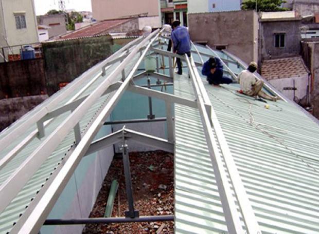 Chúng tôi nhận làm hệ thống khung tôn lợp mái