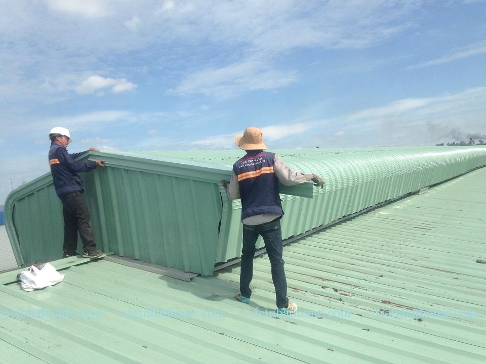 Chúng tôi nhận sửa chữa mái tôn cũ, mái tôn dột, thay mái tôn...