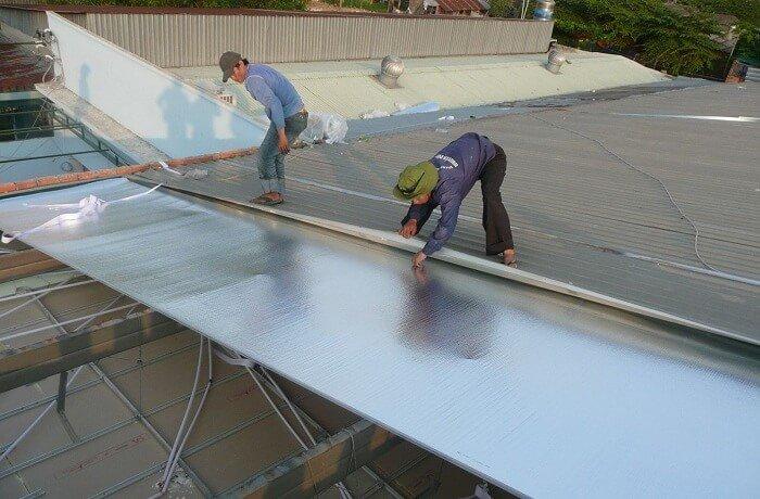 Thợ làm mái tôn tại TP Dĩ An - Chúng tôi nhận thi công theo mái tôn theo tình hình thực tại của công trình