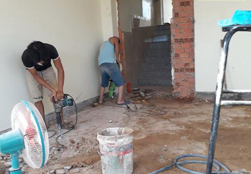 Công ty sửa nhà tại Thuận An - Đội ngũ công nhân có nhiều năm kinh nghiệm trong lĩnh vực sửa chữa nhà, chăm chỉ, chịu khó