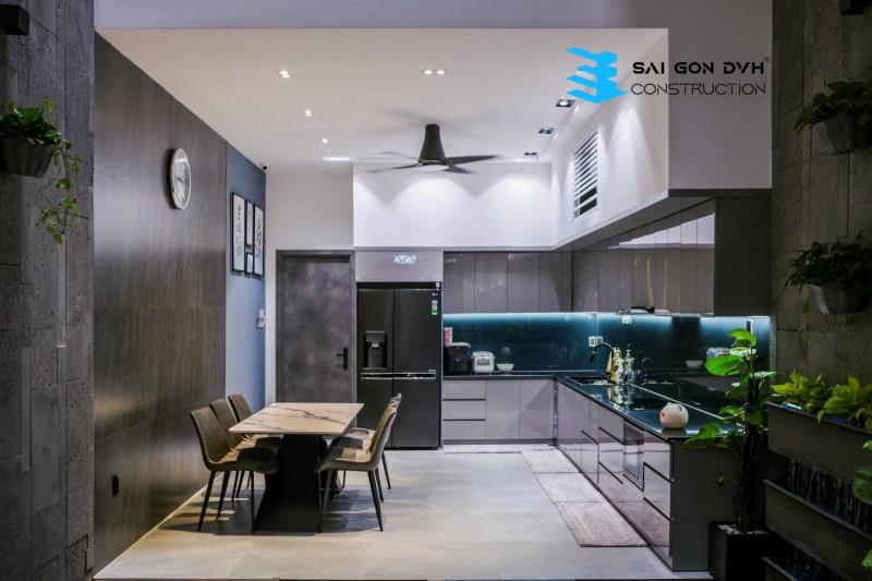 Không gian bếp đơn giả tiện nghi nhưng không kém phần sang trọng