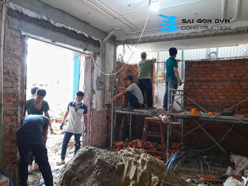 Đội ngũ thi công sửa chữa nhà chuyên nghiệp